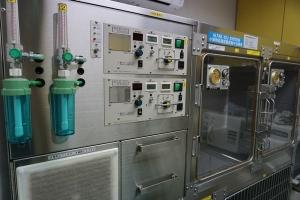 小動物高濃度酸素集中治療室